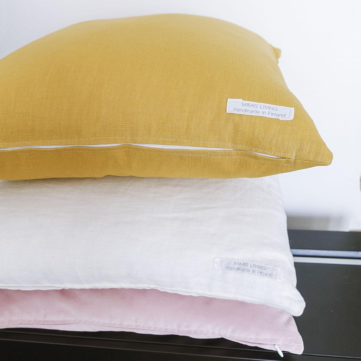 keltainen-tyynynpäällinen 2 jpg